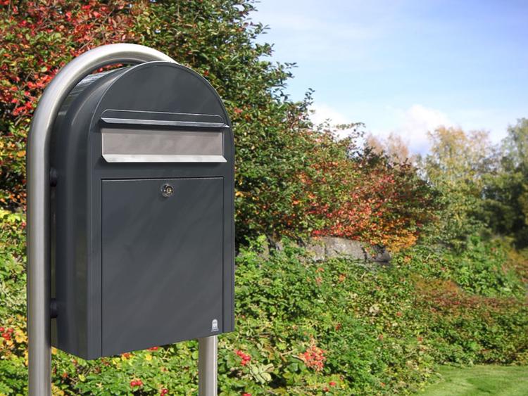 Husbeslag-brevlådor-tidningsfack-fastighetsboxar-kassaskåp